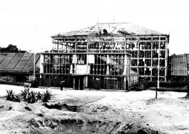 Zerstörtes Palmenhaus 1945